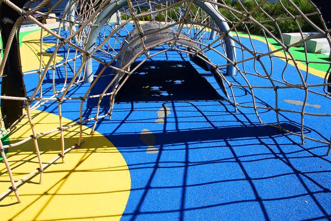 Покриття для дитячих майданчиків з гумової крихти: безпека перш за все