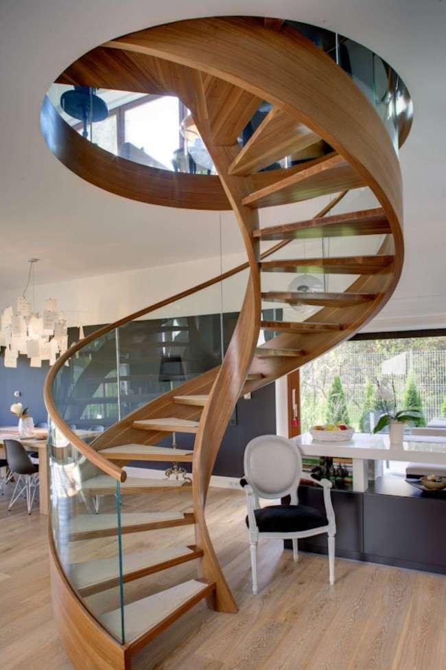 Деревяні сходи в приватному будинку проекти (50 фото): зручність, затишок і краса