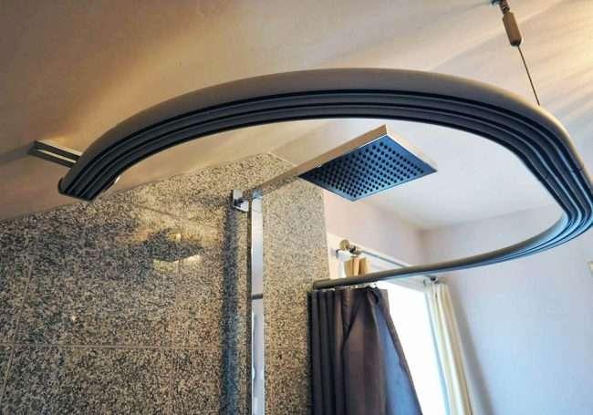 Кутовий карниз для ванни: особливості вибору та 75+ функціональних і стильних втілень