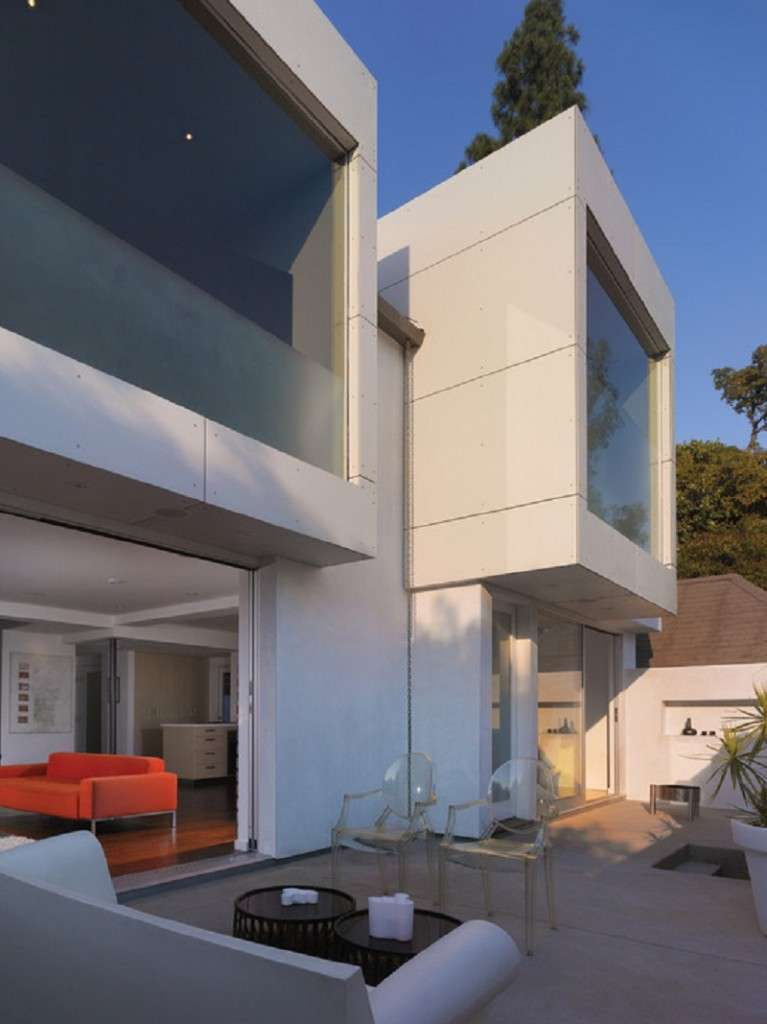 Будинок з еркером (проекти, 50 фото): виразний екстерєр, привабливий інтерєр