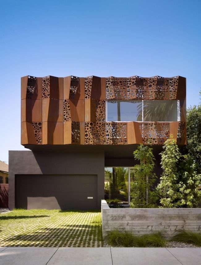 Проект будинку з двома гаражами: вибираємо найкраще готове рішення для будівництва