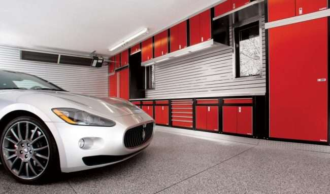 Будинку з мансардою та гаражем: що потрібно знати перед спорудою і 75+ кращих сучасних проектів