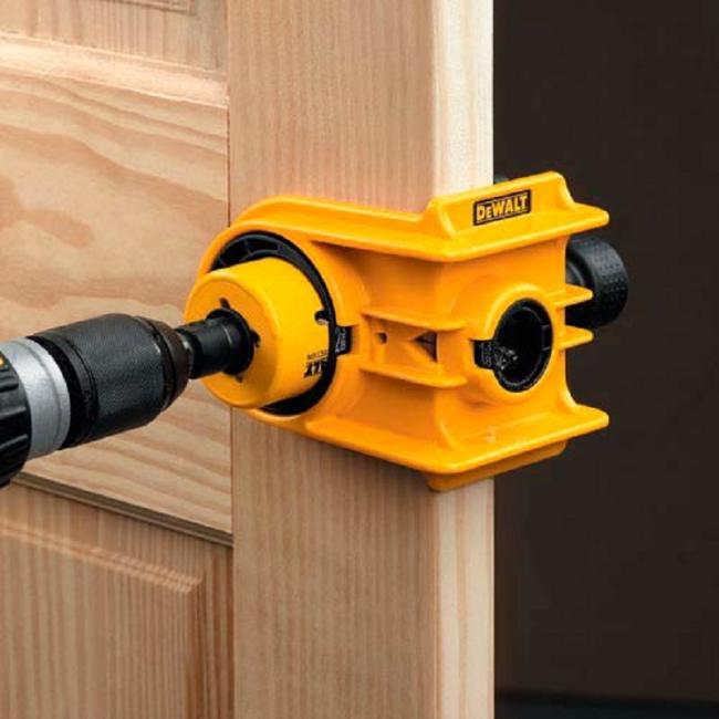Ручка із замком для міжкімнатних дверей: особливості конструкцій і установка своїми руками