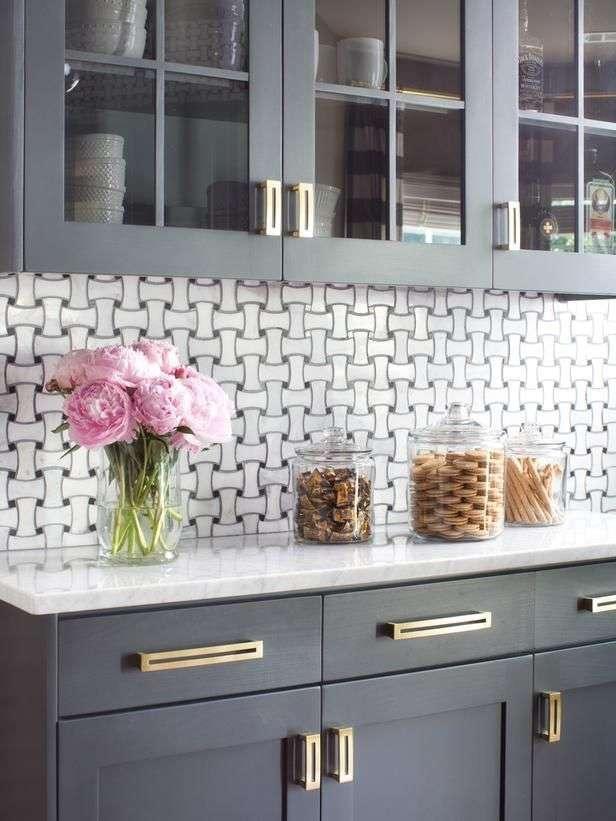 Ручки для кухонних меблів (57 фото): види, правила вибору
