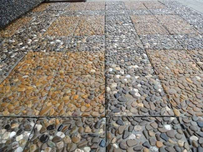 Тротуарна плитка для доріжок на дачі: укладання своїми руками і 80+ довговічних і оригінальних прикладів оформлення