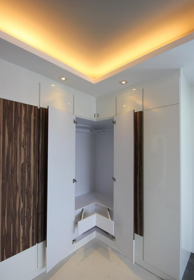 Кутова шафа в коридор: вибираємо оптимальне рішення і визначаємося з габаритами
