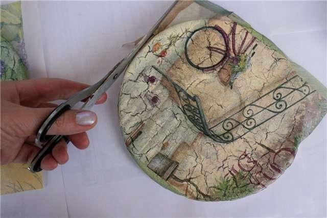 Декупаж тарілок своїми руками: майстер-класи і 50 надихаючих фото з ідеями подарунків