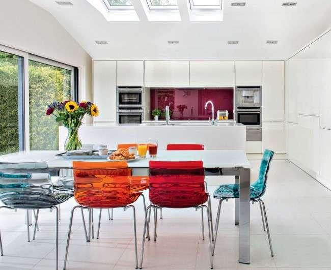 Дизайн кухні білого кольору: 40+ фото свіжих і лаконічних дизайнерських проектів
