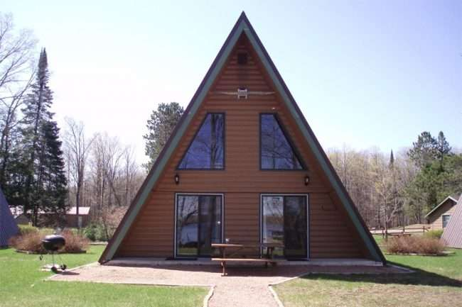 Будинок-курінь: огляд готових дизайнерських проектів і 80 комфортних і сучасних реалізацій