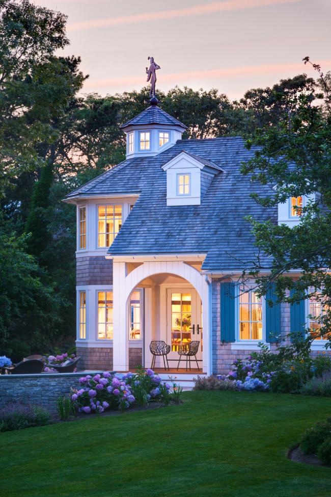 Флюгер на дах: фінальний штрих для стильного екстерєру вашого будинку