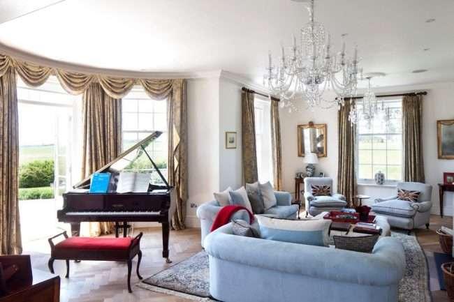 Гнучкий карниз для штор: рекомендації по вибору і огляд найбільш комфортних рішень для дому