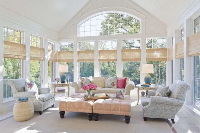 Карнизи для римських штор: як вибрати, особливості монтажу і 70+ елегантних варіантів для дому