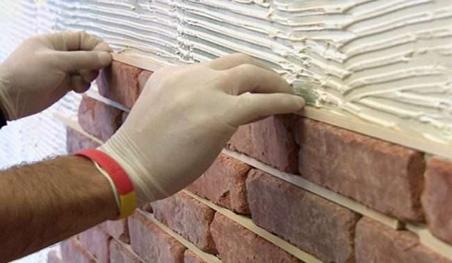 Імітація цегляної стіни: трендові варіанти обробки і 70+ надихаючих ідей для дому