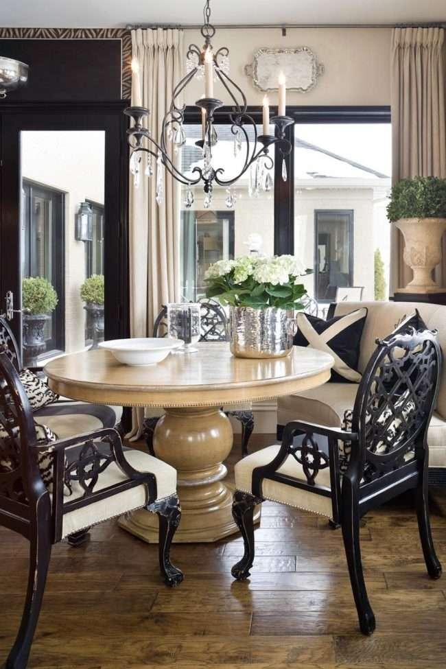 Круглий деревяний стіл на одній ніжці: 85 моделей для тих, хто не звик вибирати між естетикою і функціональністю