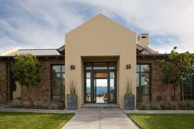 Пластикові вхідні двері для приватного будинку: 70+ стильних і надійних реалізацій