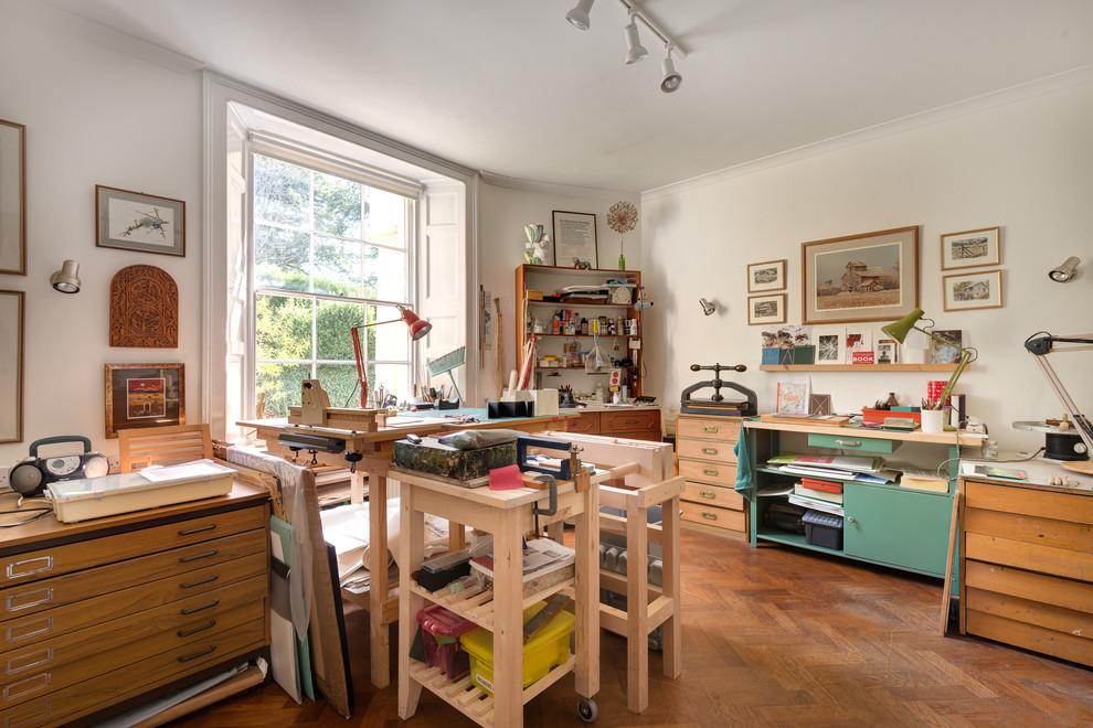 Створюємо інтерєр повноцінної студії: 70 ідей робочого місця художника і майстерні в будинку