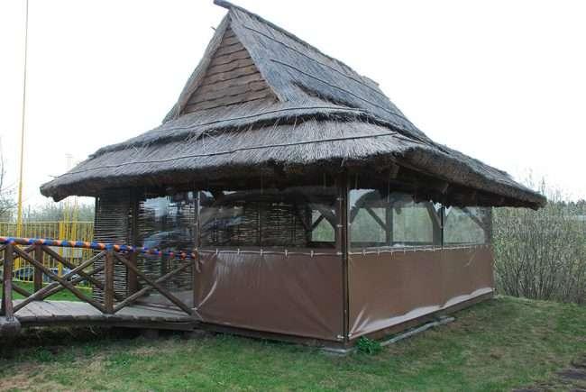 Прозорі штори для альтанок і веранд: комфорт на дачі цілий рік і огляд найбільш витончених ідей для декору