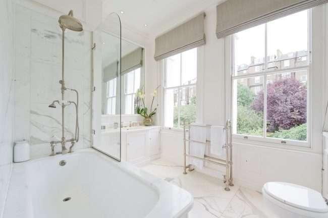 Скляні шторки для ванної: що потрібно знати при виборі і 50 обраних дизайнерських рішень