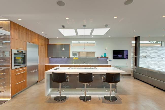Повна ілюмінація: що потрібно знати про світлових панелях на стелю? Конструкції, плюси і мінуси