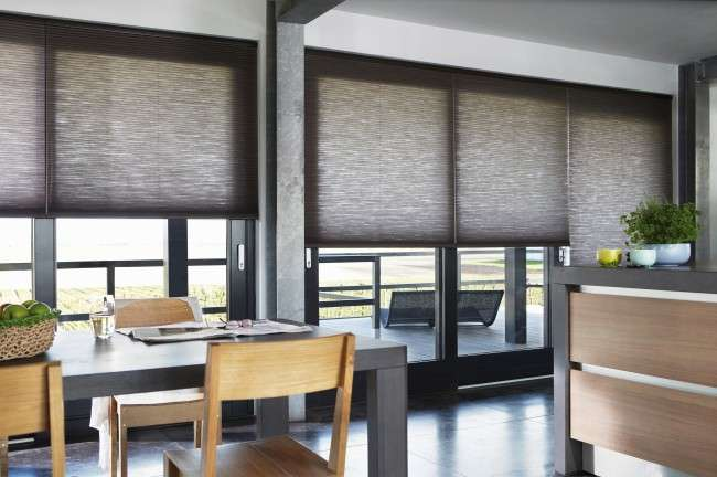 Жалюзі на кухню: поради щодо вибору та 35+ естетично вірних рішень для дому